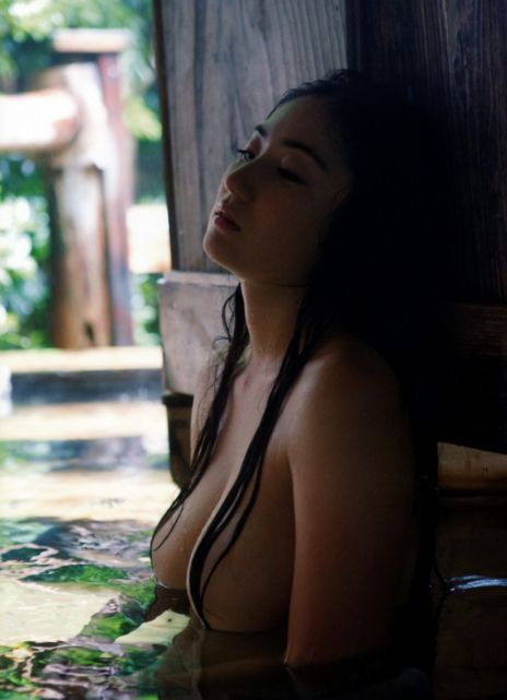 入浴中の紗綾