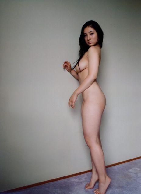 紗綾のボディライン