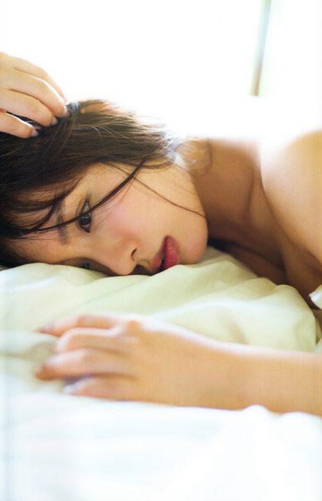 山田菜々 ヌード&水着画像050